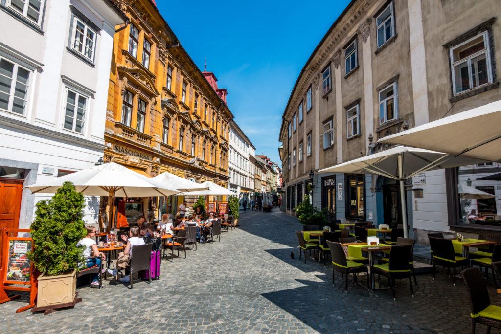Stari-trg-lokali-Blaž-Pogačnik-2-1024×683